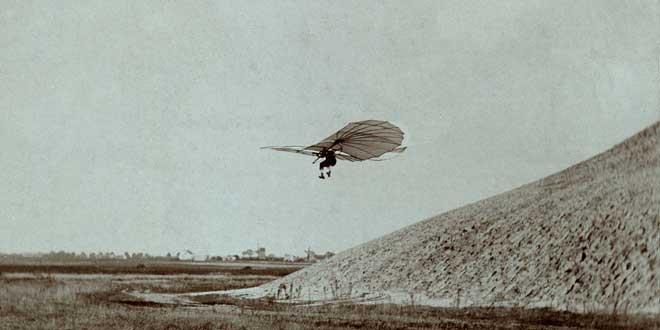Lilienthal en pleno vuelo, 1895