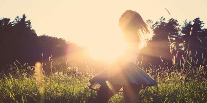 ¡Deja de hacer estas 7 cosas y conseguirás ser MÁS FELIZ!
