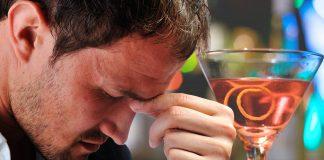 Lo que la mezcla de alcohol y cafeína puede hacerle a tu cerebro