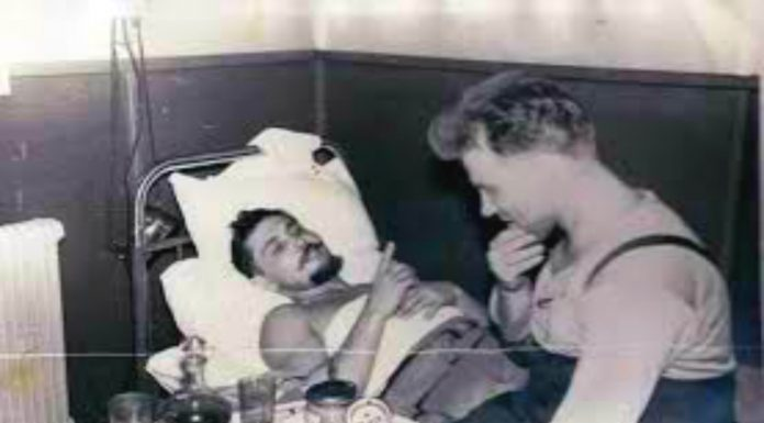 Sacar tus propios intestinos para operarte a ti mismo de apendicitis. Este cirujano ruso no tuvo otra opción