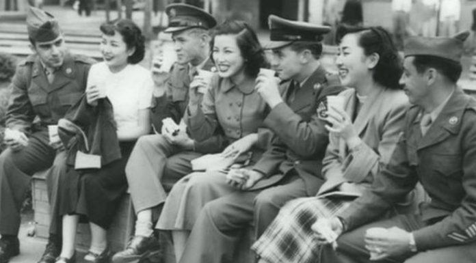 Las escuelas de esposas de los '50 para japonesas casadas con soldados americanos