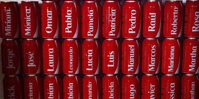 latas de Coca-cola con nombres