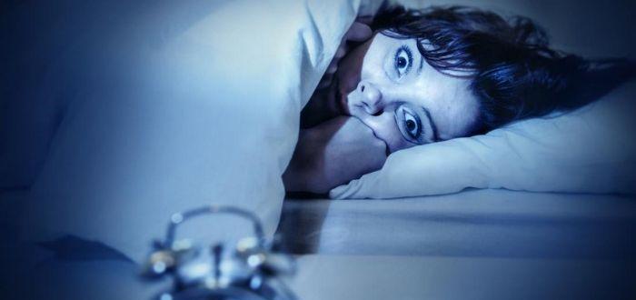 soñar que quieres despertar y no puedes