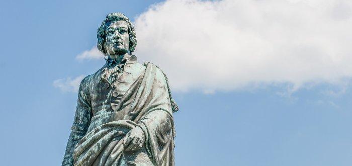 Estatua de Mozart en Austria