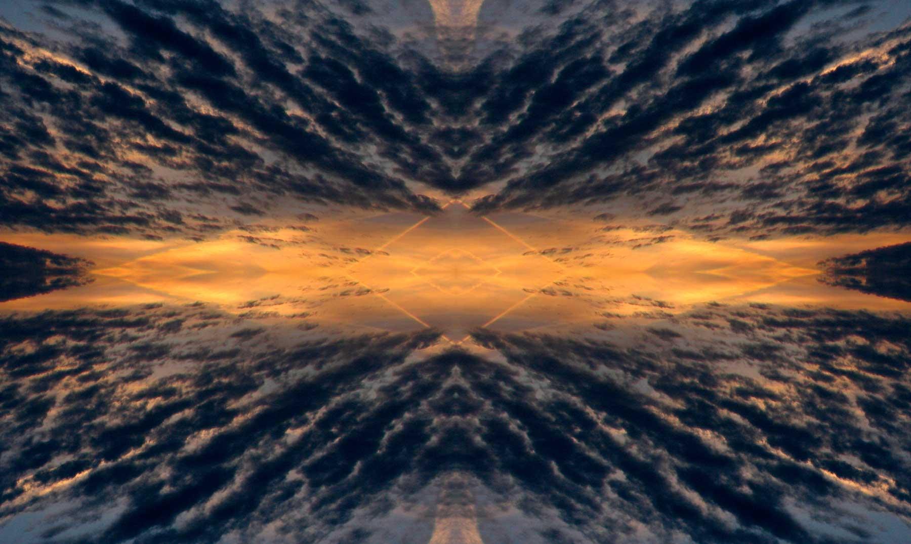 Resultado de imagen de La fuerza de Gravedad de otros universos tira del nuestro