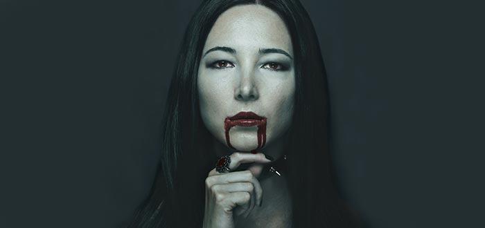 lamia, vampira, bella