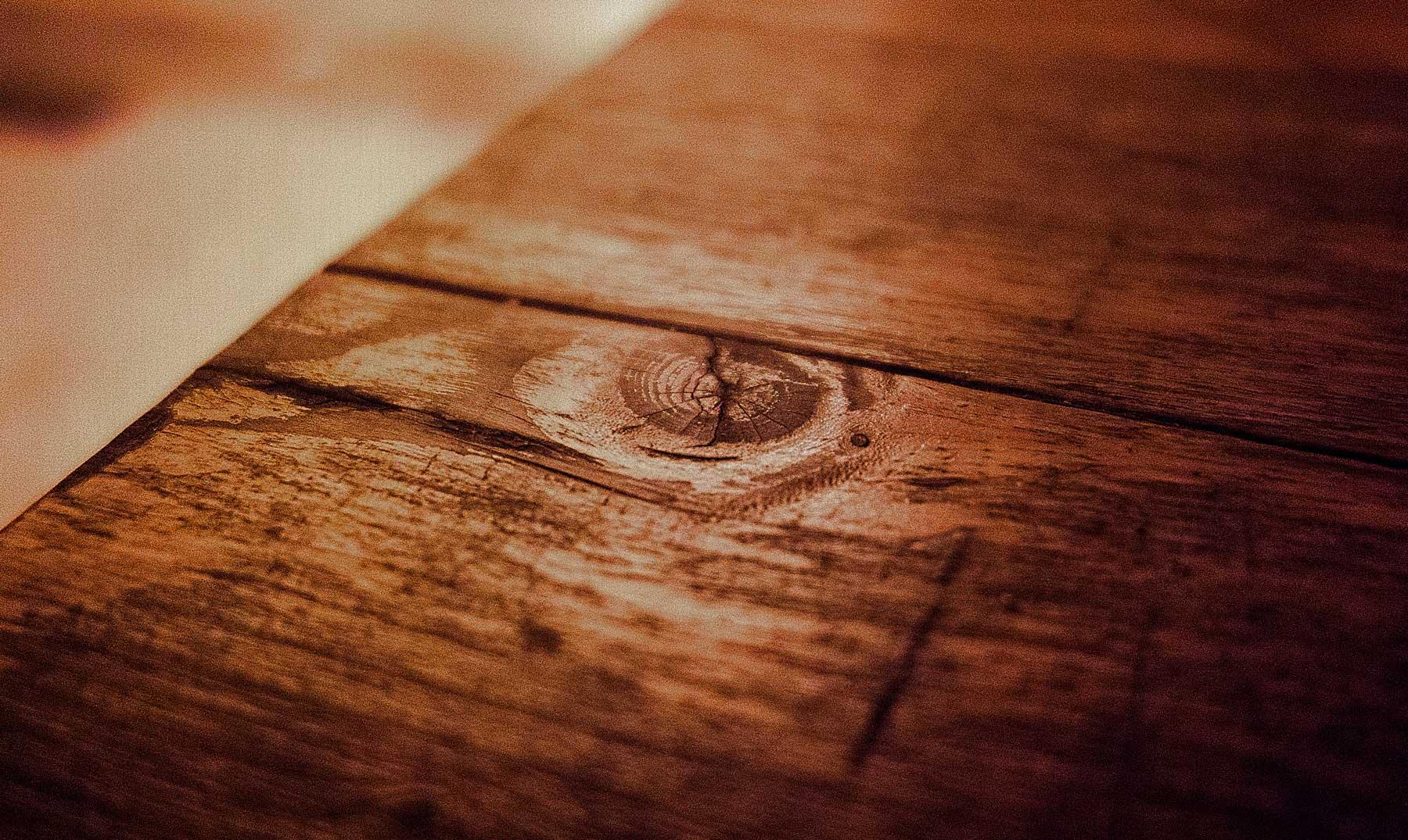 ¿Por qué 'tocamos madera' para obtener suerte