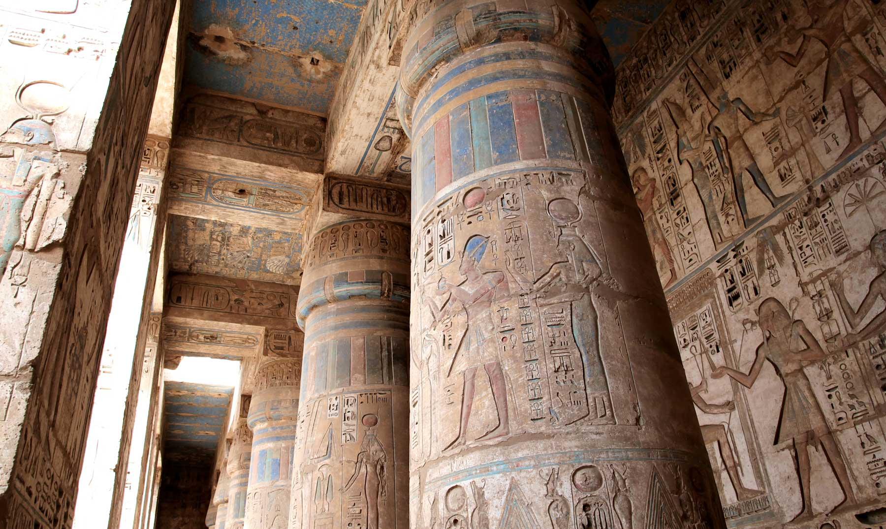 ¿Utilizaban los egipcios luz eléctrica?