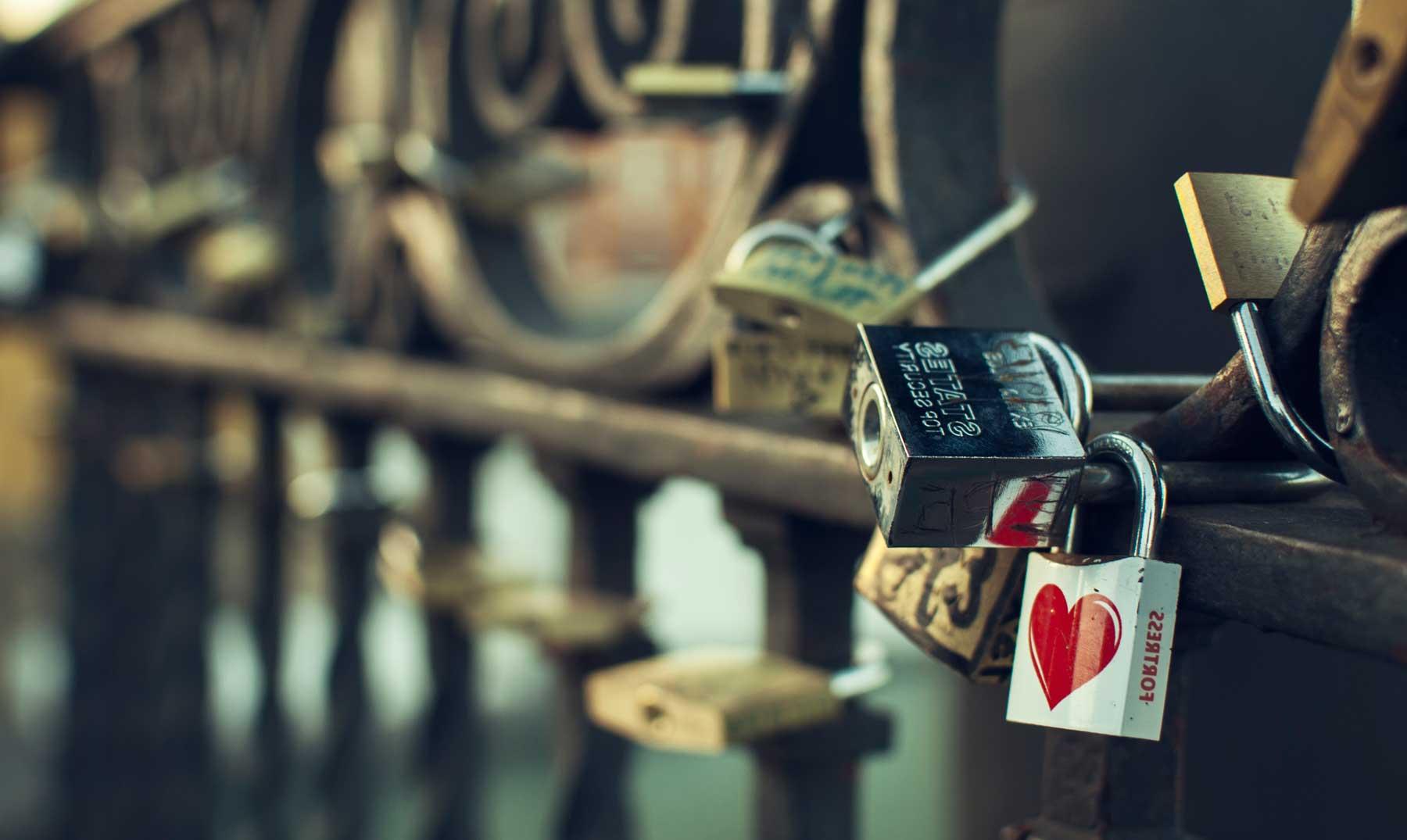 Los puentes y los candados del amor ¿conoces su origen