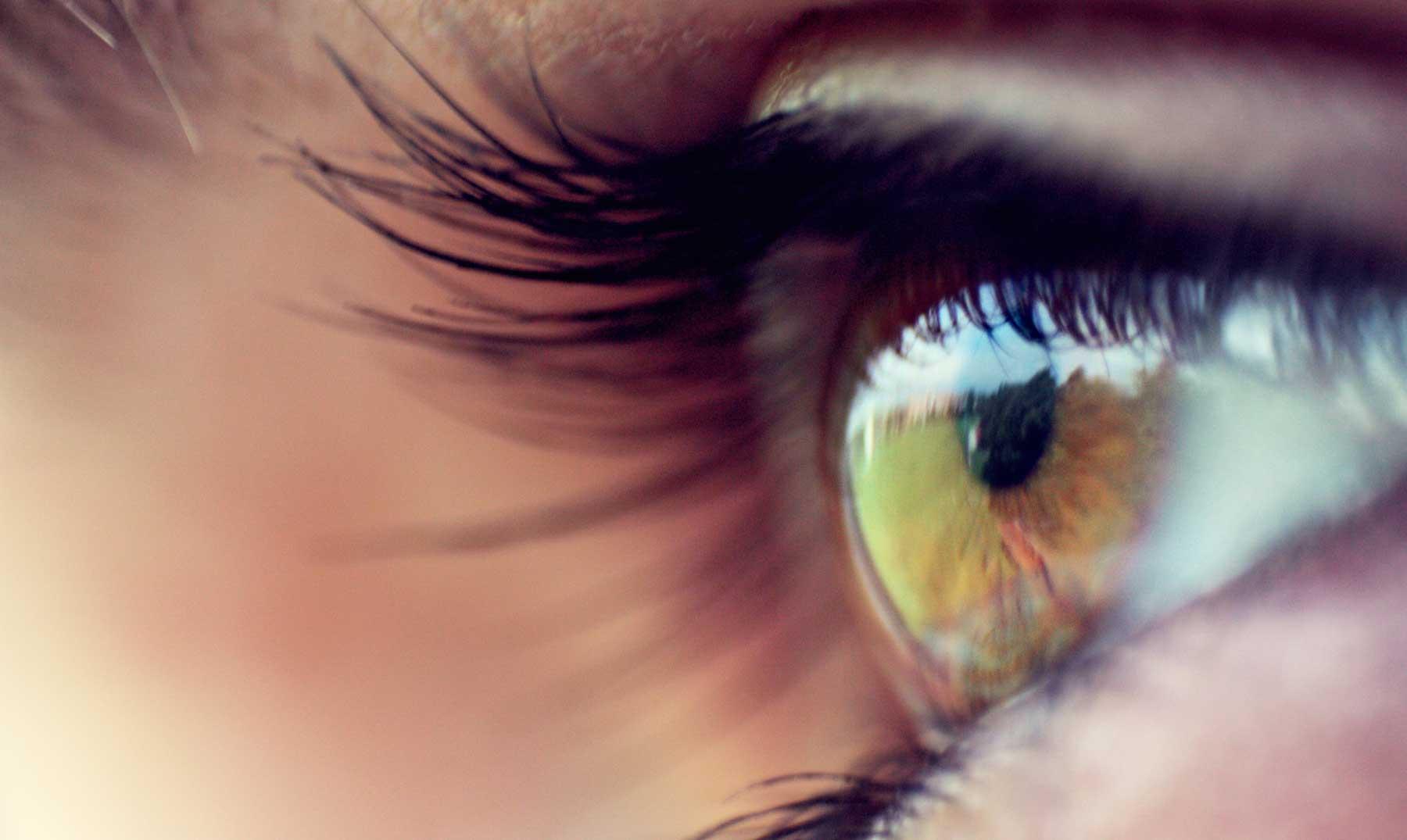 ¿Por qué movemos los ojos al pensar?
