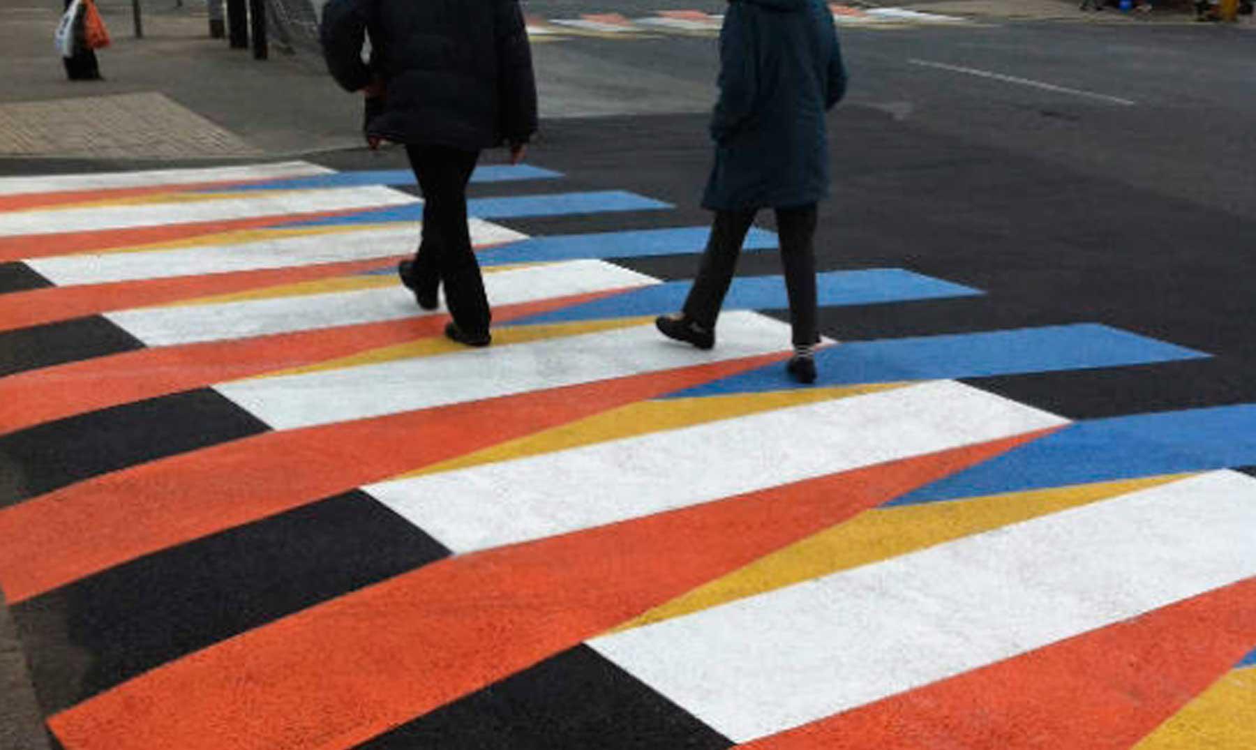 Pasos peatonales cinéticos. Carlos Cruz-Diez