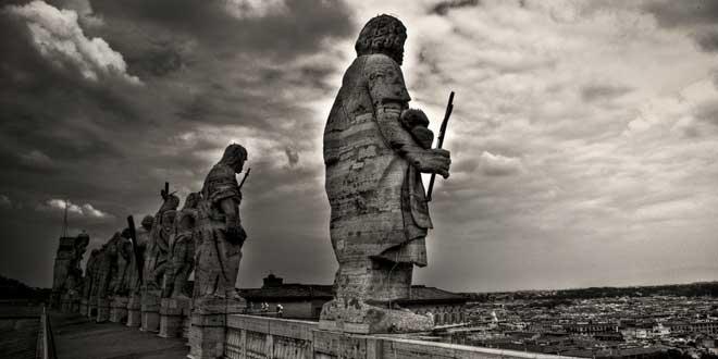 Esculturas de los Apóstoles en El Vaticano