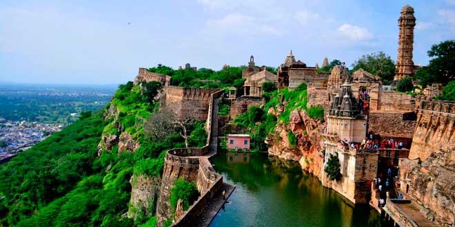Fuerte-de-Chittorgarh,-India-(Asia)