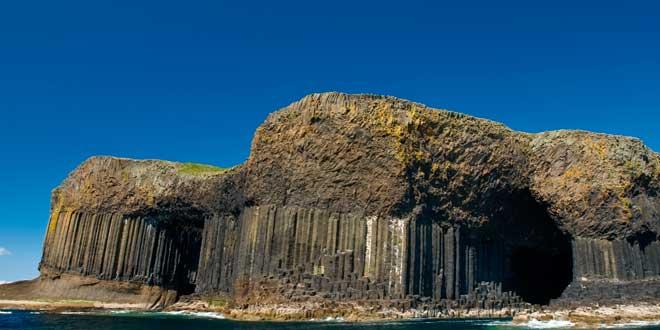 La-gruta-de-Fingal,-Escocia-