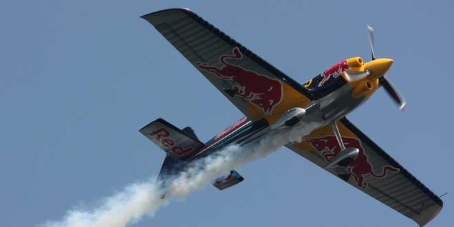 Avion Red Bull