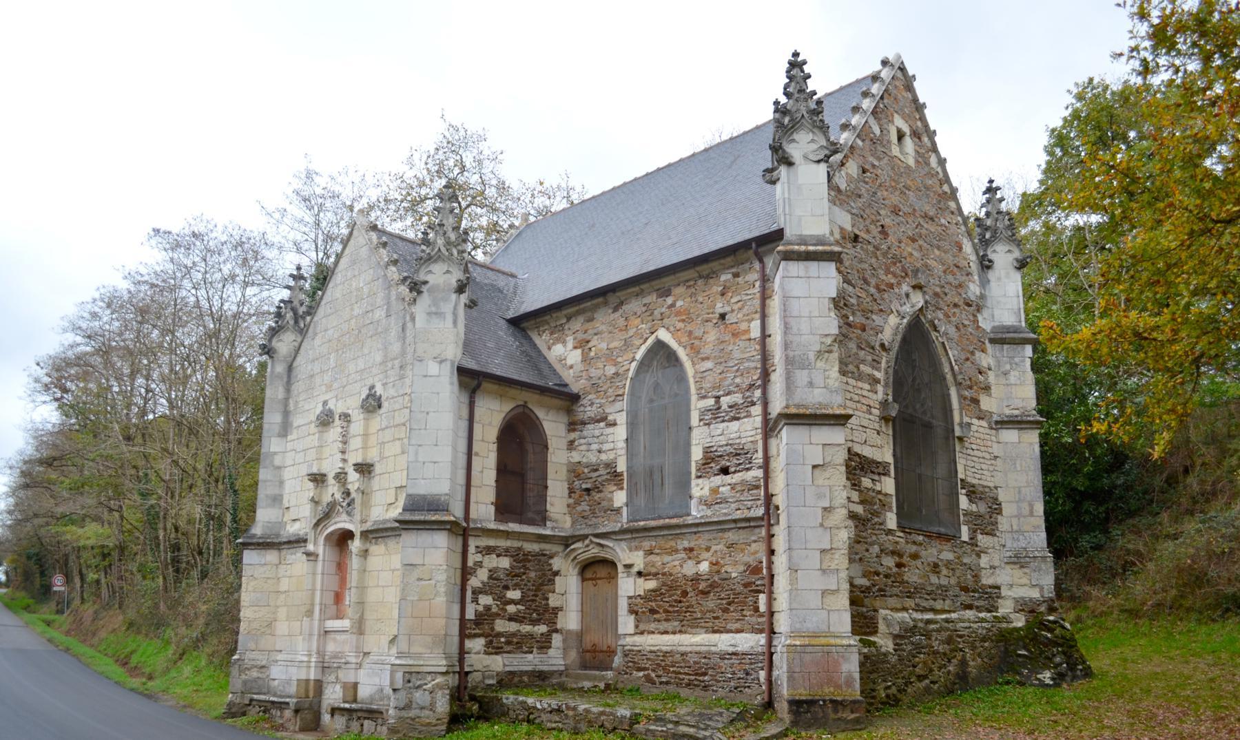 La capilla con gárgolas de los Gremlins y Mazinger Z
