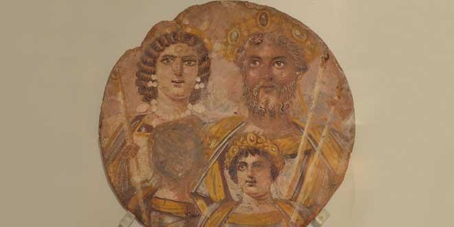 Tondo mostrando a Séptimo Severo con Julia Domna, Caracala y Geta, la cara del cuál ha sido borrado para evitar el asesinato por parte de Caracalla. (199-200 d.C.) Neues Museum, Berlin