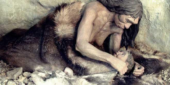 Detalle de un diorama. Madre Neandertal. Taken in Anthropos Pavilion, Brno, República Checa.