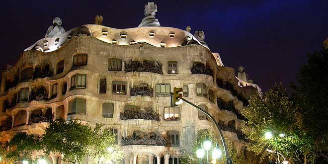 La Pedrera-Casa Milà (1912). Antoni Gaudí.