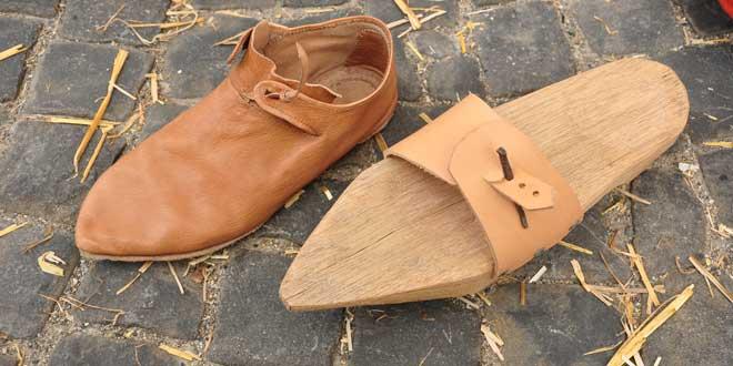 Reconstrucción calzado de la Edad Media