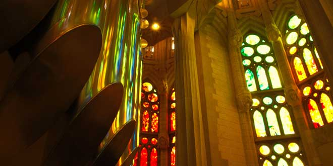 Interior Sagrada Familia (1882-). Antoni Gaudí.