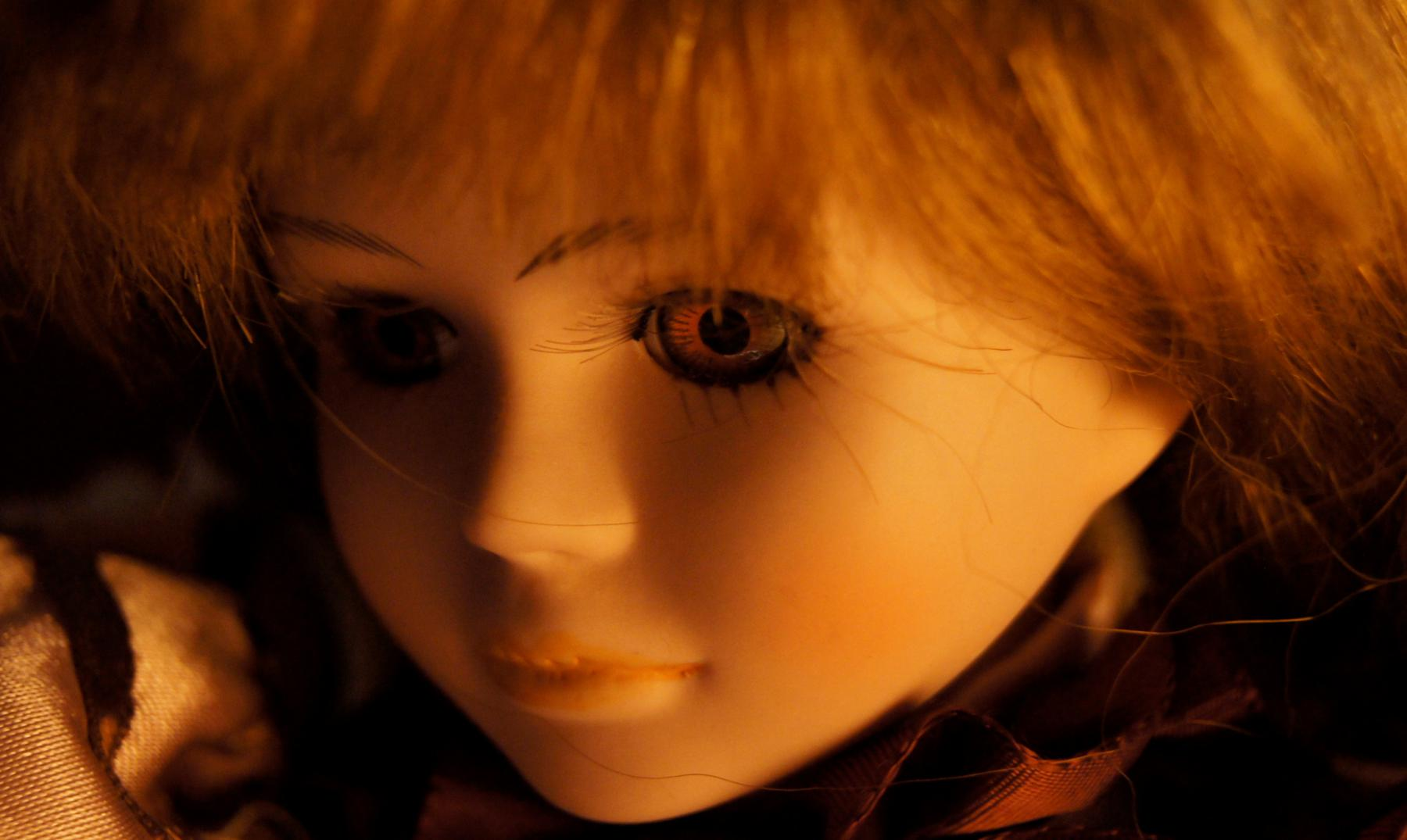 Katrin Reedik, la mujer que colecciona muñecas embrujadas