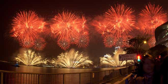 Fuegos artificiales para celebrar el Año Nuevo chino (Hong Kong, 2011)