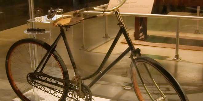 Bicicleta de la compañía Wright & co.
