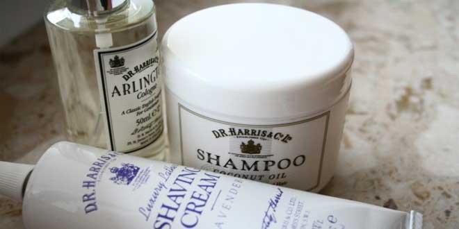 champús, perfume y mascarilla