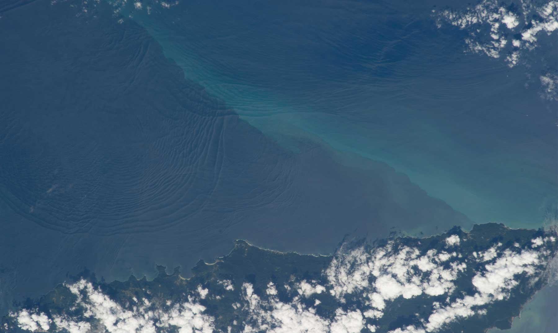 Las increíbles olas internas del océano