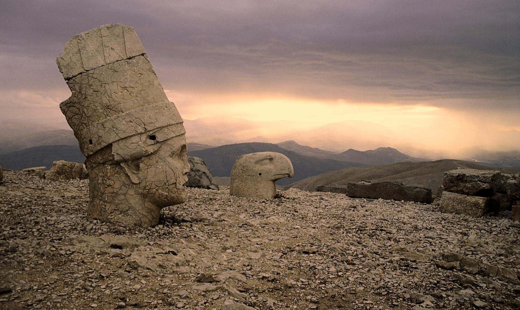 Nemrut Dağ: la montaña de los viejos dioses decapitados
