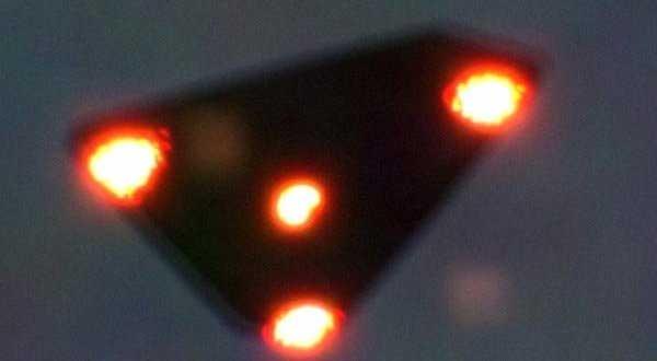 Fotografía tomada el 15 Jde Junio de 1990 en Valonia, Bélgica, supuestamente durante la oleada de OVNIS