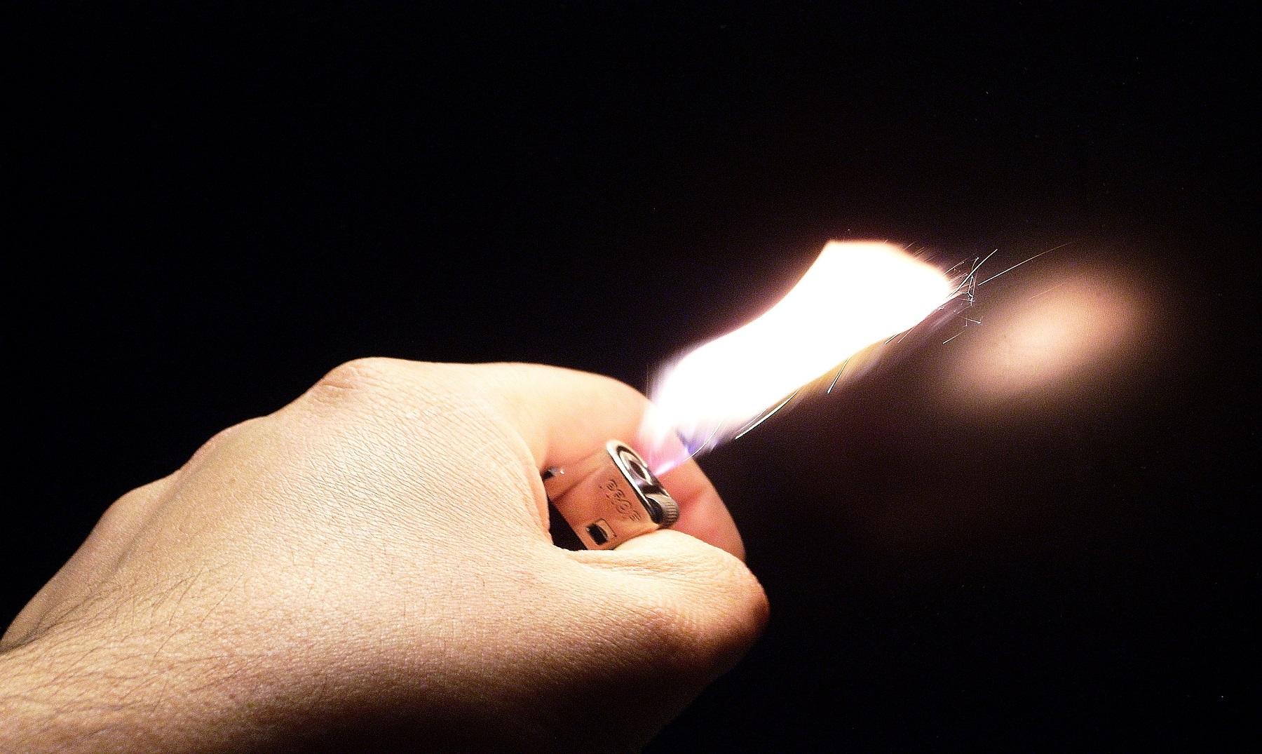 El encendedor se inventó antes que el fósforo
