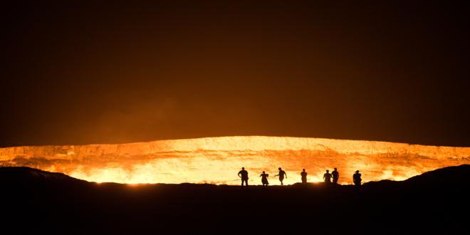 mongol-rally-team-detour-turkmenistan-door-gate-of-to-hell-derweze-burning-hole-karakum-desert-gas-crater-_DSC3011_660x330
