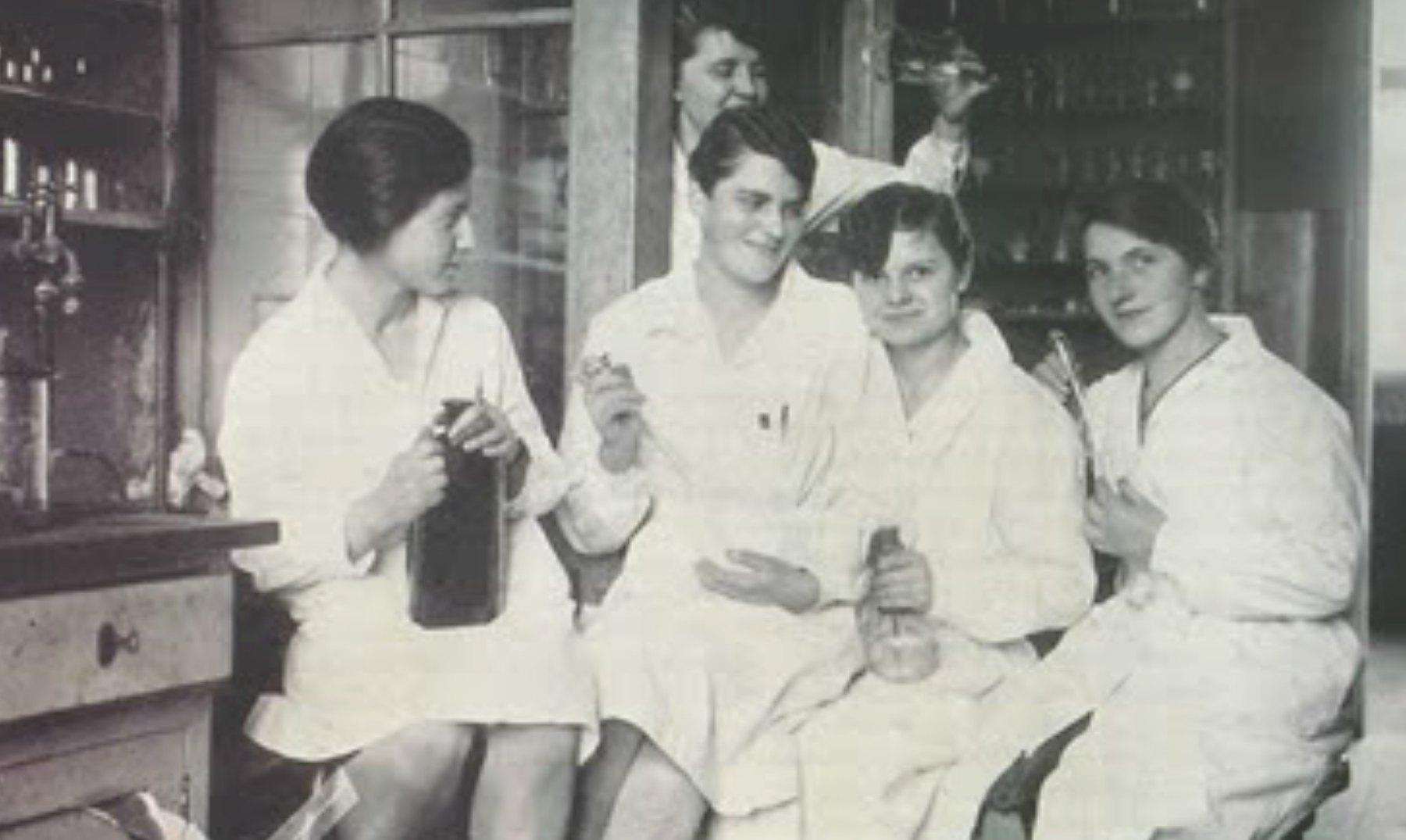Mujeres científicas que debes conocer