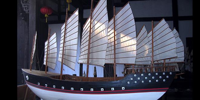 Modelo a escala del barco de Zheng He. El barco real medía 138 x 56 m, por lejos el más grande del mundo en aquel momento (e incluso siglos después)