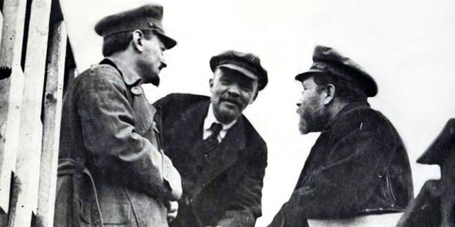 León Trotsky, Vladimir Lenin y Lev Kámenev. Moscú, 1920