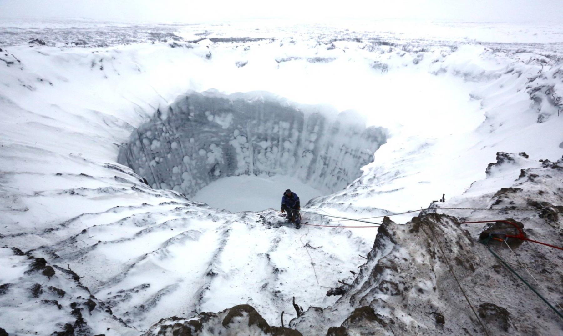 El misterio del cráter gigante de Siberia