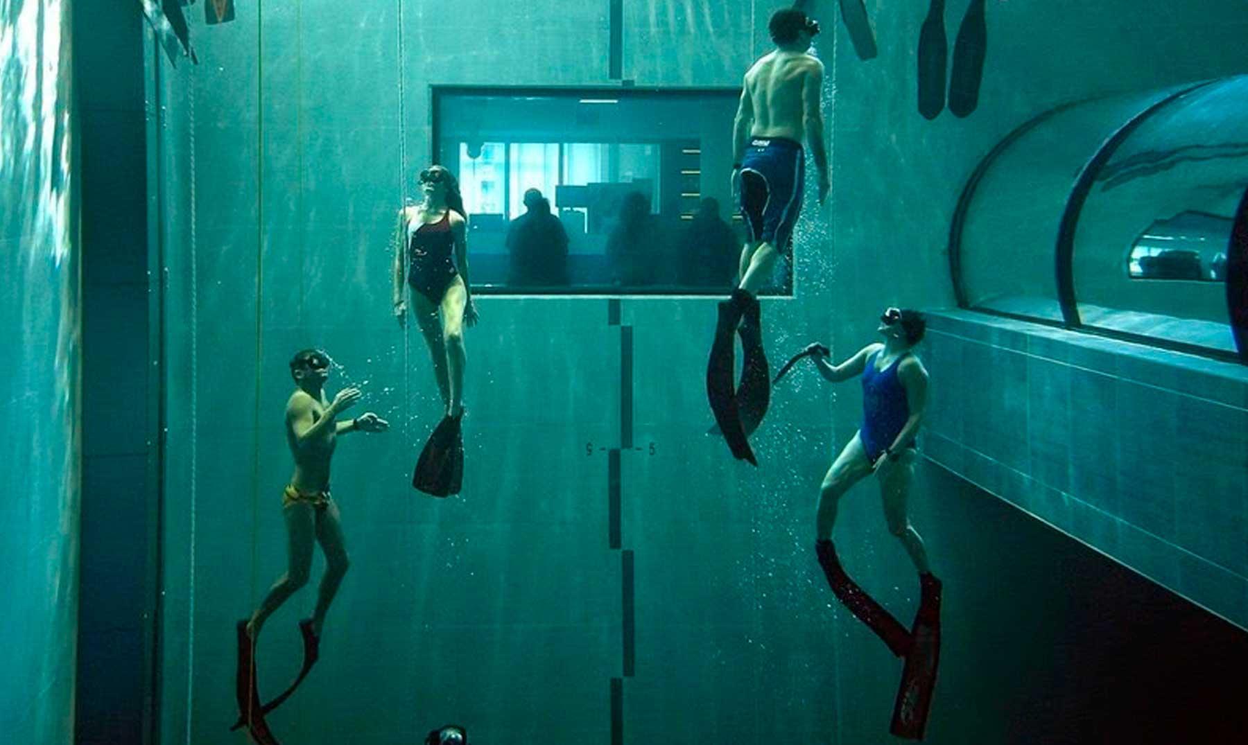 La piscina más profunda del mundo  Y  Deep Joy