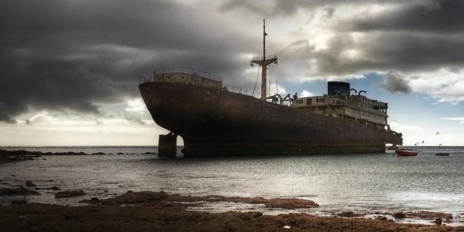Lanzarote-Ghost-Ship_660x330
