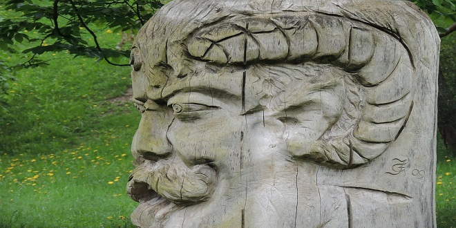 carved-head-114914_1280