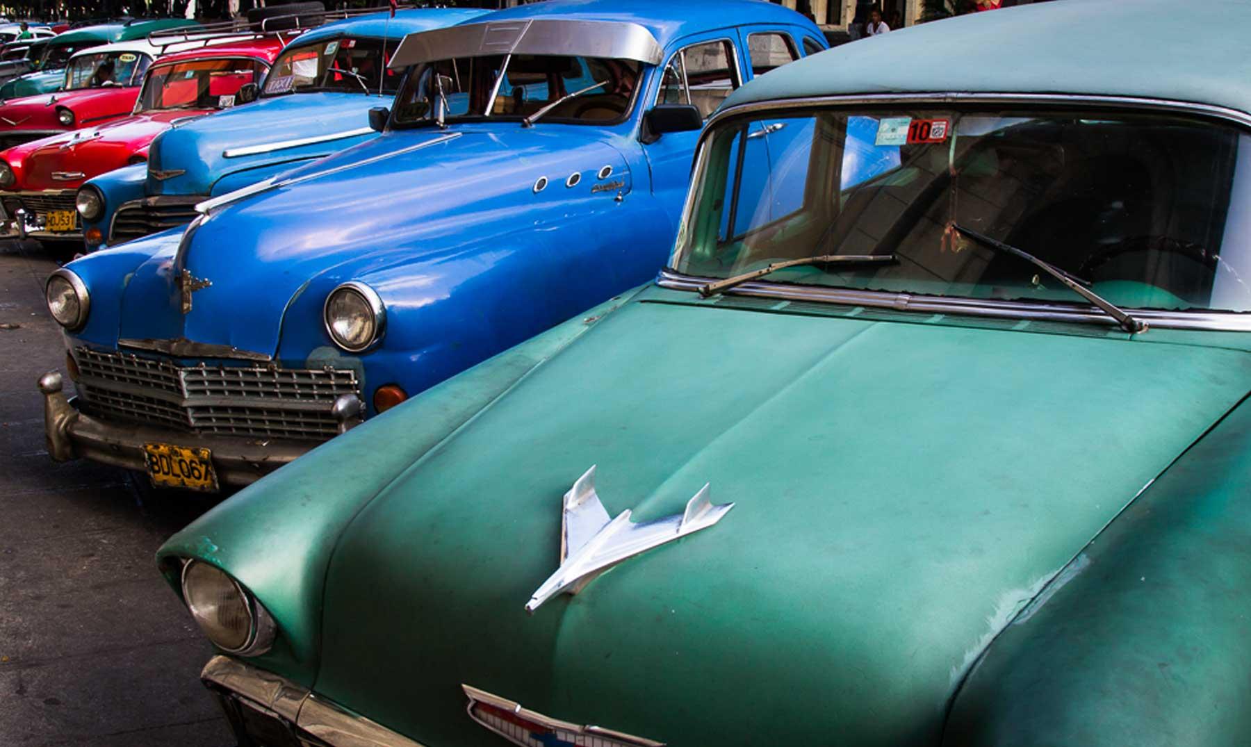 ¿Hay relación entre los colores de los vehículos y los accidentes?