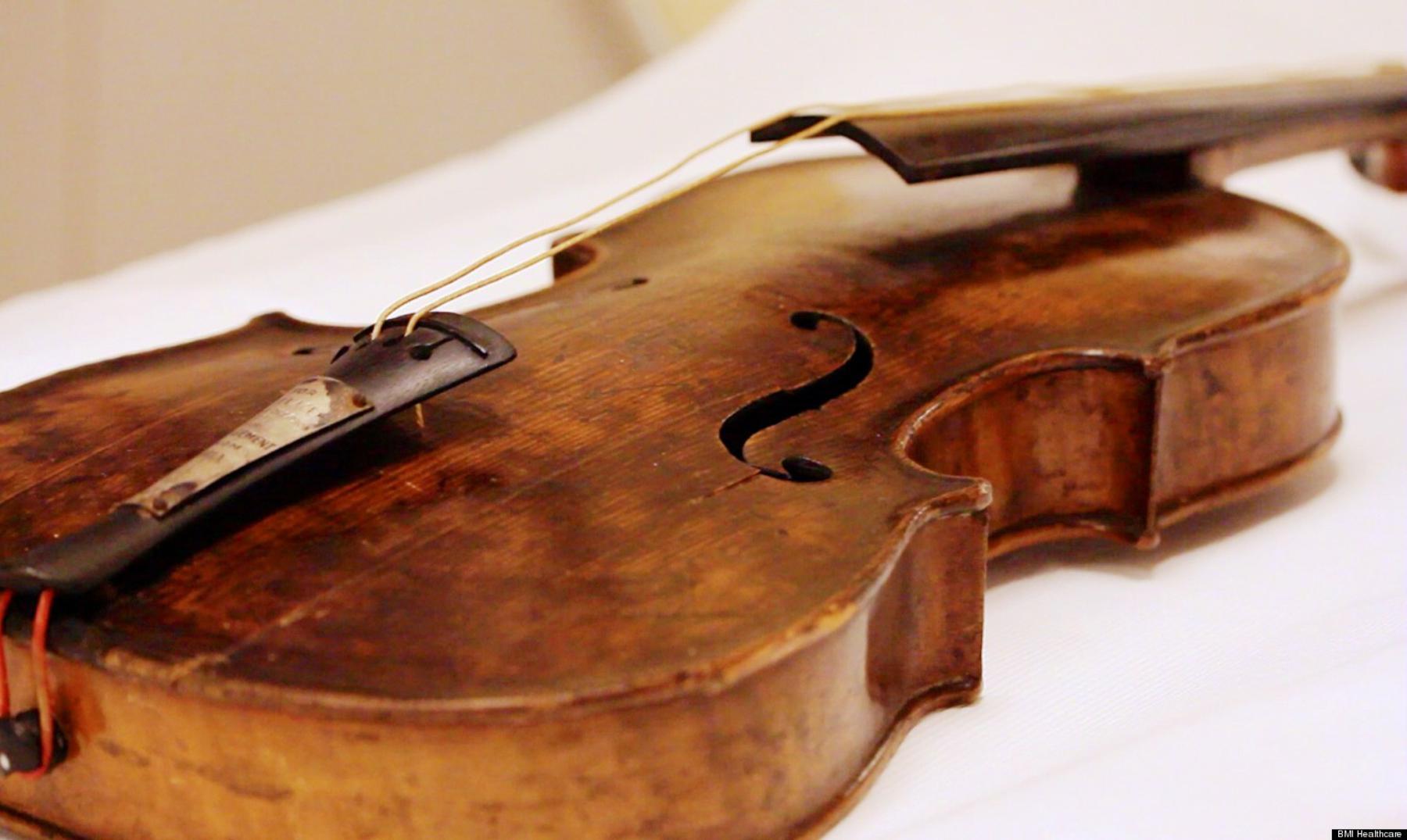 La historia del violín que sonó durante el hundimiento del Titanic