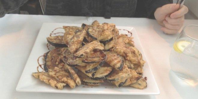 Berenjenas fritas con miel de Frigiliana