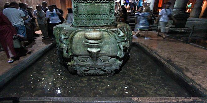 Turkey-Istanbul-Basilica-Cistern-upside-down-Medusa-head-L (Copy)