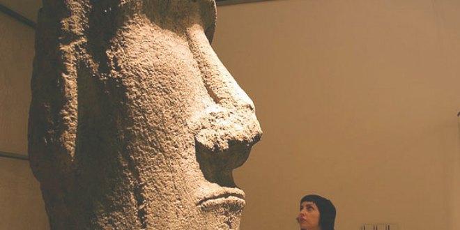 moai en el Louvre