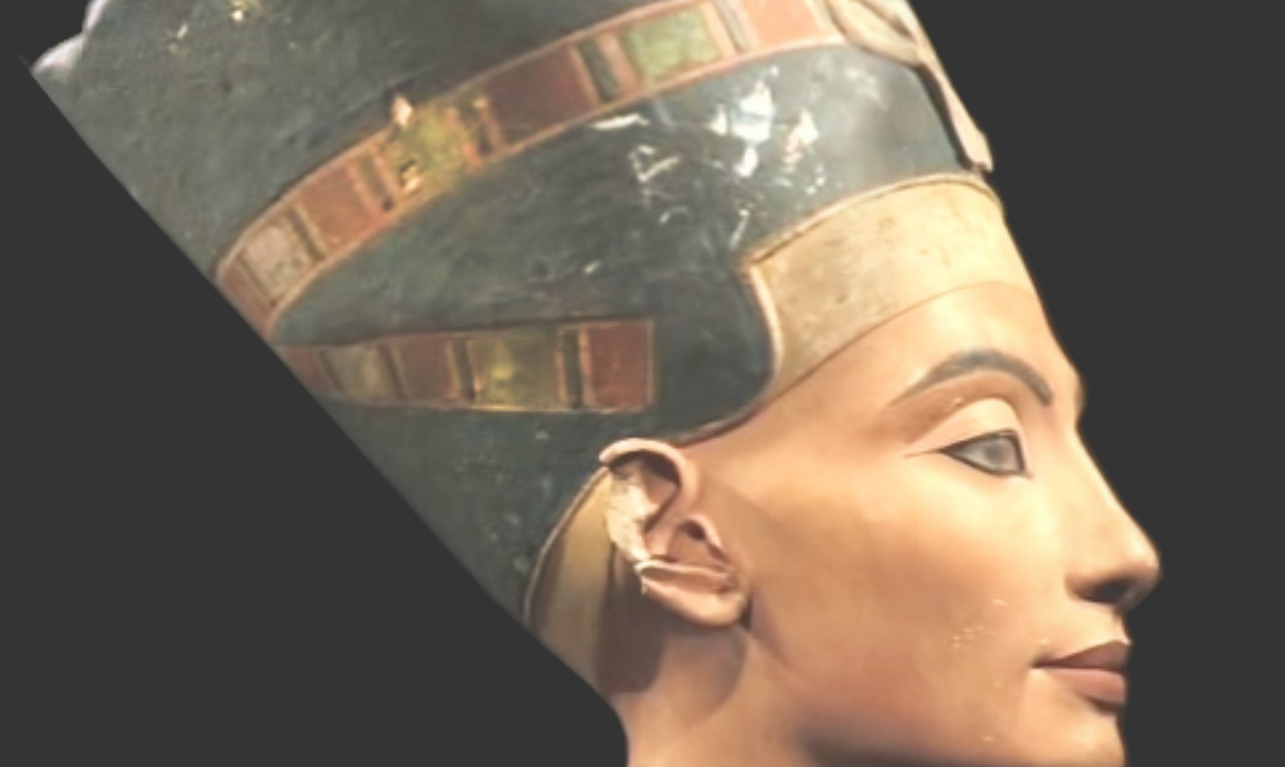 El desconcertante amor de Hitler por Nefertiti
