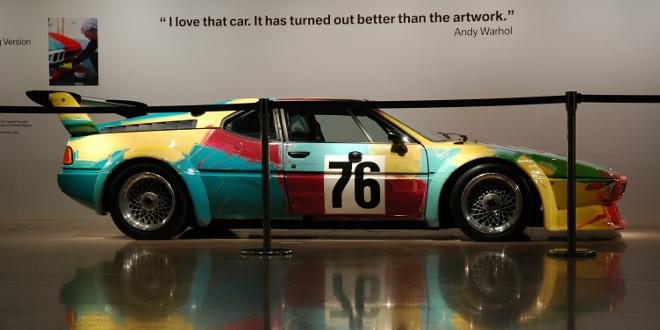 BMW M1 decorado por Warhol.