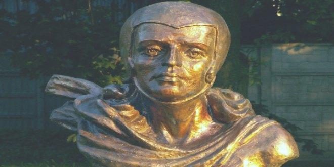 Monumento a Tamara de Lempicka en Kielce, Polonia