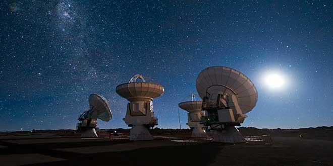 Resultado de imagen de En tan inmenso universo no estamos sólos